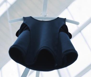 fysiopal-posture-vest-fashion-technology-pauline-van-gongen-elitac_dezeen_2364_col_4-468x593